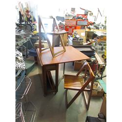 Dual Side Leaf Table with with 4 foldable hiding chairs