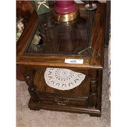 Oak End Table w/ Glass Insert