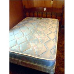 BUNDLE LOT: Complete Twin Bed, Pair of Candle Lamps