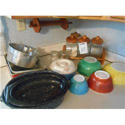 Pyrex Roaster, Asstd. Pans, Bowls, etc.