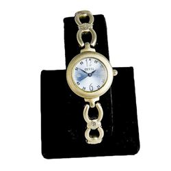 Vintage Women's Guess Fashion Watch