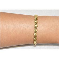 Elegant two-texture creamy 14k Gold Bracelet