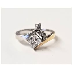 BEAUTIFUL STAMPED .925 STERLING SILVER RING WITH 3/4 CARAT DIAMONDS SIZE 7, 4.0 GRAMS