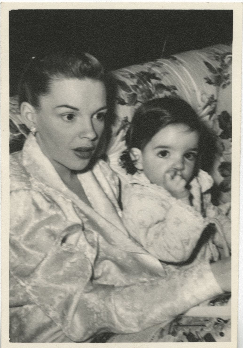 Vincente Minnelli, Judy Garland, and Liza Minnelli (12) family photographs