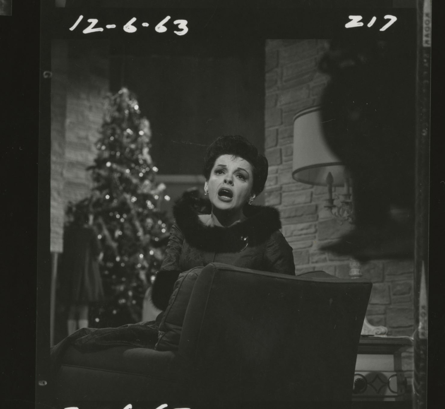 The Judy Garland Show 26 Contact Sheets For Her 1963 Christmas Special With Liza Lorna Joey