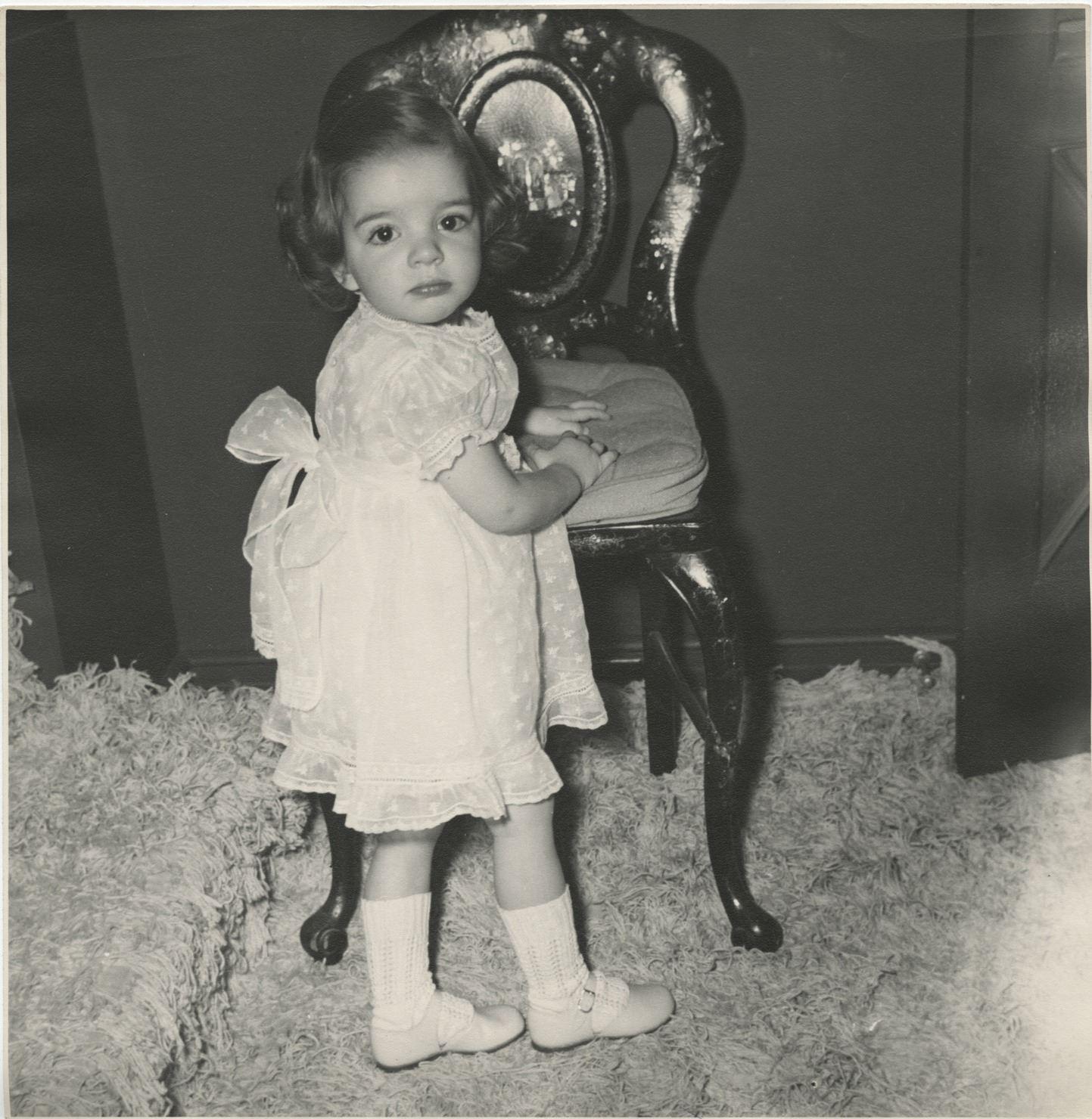 Liza Minnelli (5) oversize childhood photographs