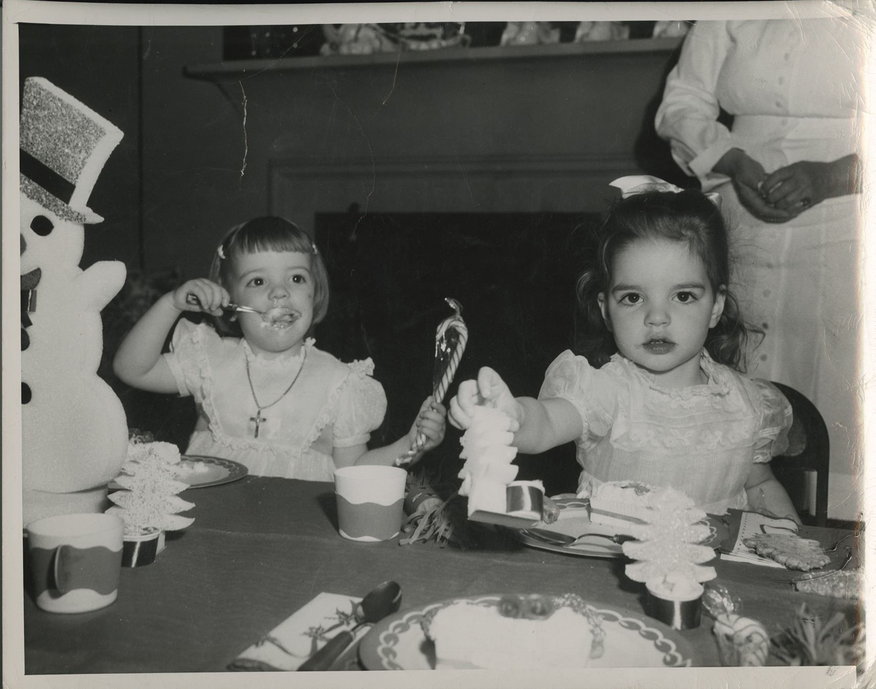 Liza Minnelli (20+) photographs from childhood birthday parties