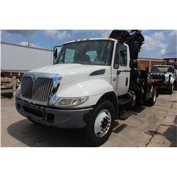 2006 INTERNATIONAL 4300 Boom Truck; VIN/SN:1HTMMAAR76H345385 -:- S/A, Int. DT466 diesel engine, Alli