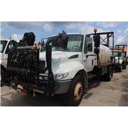 2005 INTERNATIONAL 4400 Sprayer Truck; VIN/SN:1HTMKAAR85H132028 -:- Int. DT466 diesel, Allison A/T,