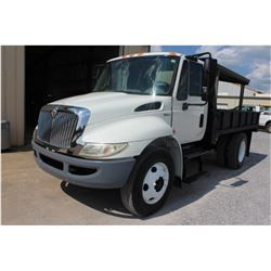 2009 INTERNATIONAL 4300 Flatbed Truck; VIN/SN:3HTJTSKM59N039357 -:- S/A, Int. diesel, A/T, 12' flatb