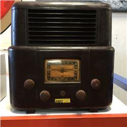 """Vintage Radio """"Stewart Warner"""" (Brown)"""