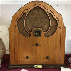 Antique Philco Radio (c.1931)