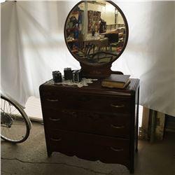 3 Drawer Dresser w/Round Mirror