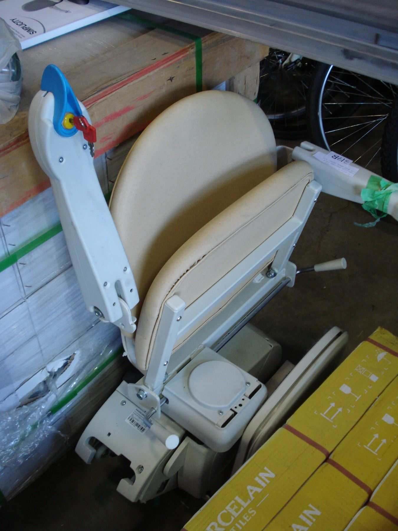 SIMPLICITY HANDICARE STAIR LIFT WITH TRACK, RETAIL $3000, WORKING