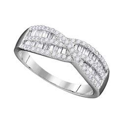 0.65 CTW Diamond Crossover Ring 10KT White Gold - REF-37F5N