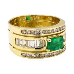 0.90 ctw ct Emerald and Diamond Ring - 18KT Yellow Gold