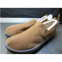 New Mens Mossimo Genuine Suede Slippers / Non marking sole / size 12