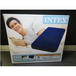 New Intex Twin Classic Downy Air Mattress / makes a great floatie for the