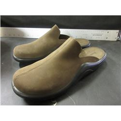 New olive Slip on Shoes made in Portugal mens size 10.5/ Women's 9.5