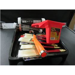 Painting Bundle / 2 trays / 6 brushes / rollers with handle / can holster
