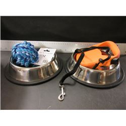 Pet Bundle / 2 stainless Bowls non skid - Braided rope ball / Retractable Leash