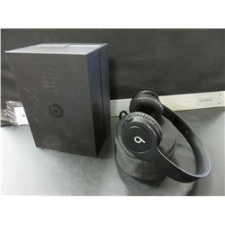 Black Beats By Dr. Dre  /  Solo HD / no charge cable or ox cord