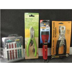 Lot of 4 New Handy home Items / wire cutters / Life Gear Flashlight