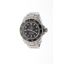 WATCH: [1] Stainless steel gents Rolex Oyster Perpetual Sea Dweller watch with a black dial, uni-dir