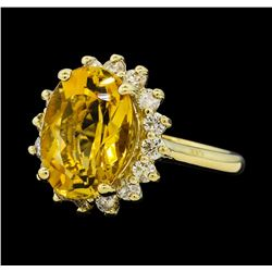 5.50 ctw Citrine Quartz  and Diamond Ring - 14KT Yellow  Gold