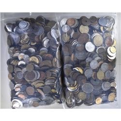 10 POUNDS WELL MIXED WORLD COINS