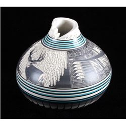 Excellent Signed Navajo Pottery Vase