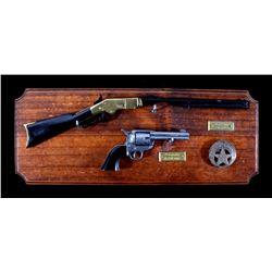 Denix Replica Miniature Firearm Display With Badge