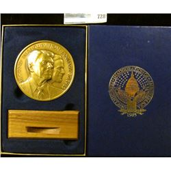 THE OFFICIAL BRONZE 2 AND A HALF INCH RONALD REAGAN/ GEORGE BUSH INAUGURATION MEDAL WITH STAND
