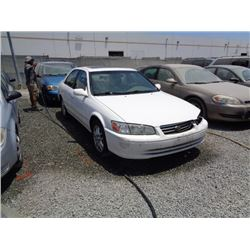 TOYOTA CAMRY 2000 SALV T/DONATION