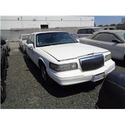 LINCOLN TOWN CAR 1996 T-PRIOR TAXI/DON