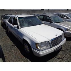MERCEDES E320 1995 SALV T/DONATION