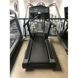 LIFE FITNESS 9500HR COMMERCIAL TREADMILL WITH FLEX DECK