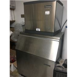 SCOTSMAN STAINLESS STEEL 500 LB CAPACITY COMMERCIAL ICE MAKER