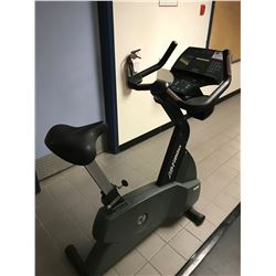 LIFE FITNESS 9500HR UPRIGHT BIKE