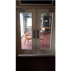 2 FRENCH DOORS WITH HYDRAULIC CLOSURES