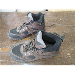 REDHEAD Men`s hikers, size 11 1/2, returned