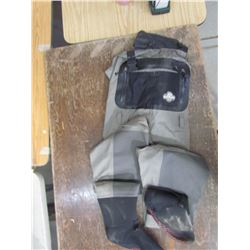 WIND RIVER breathable sockfoot waders Size M, returned