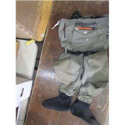 FROGGTOGGS, breathable stocking foot waders, size L, returned