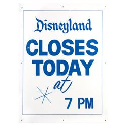 Disneyland Early Closure Sign.