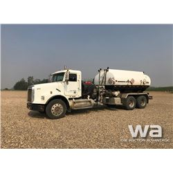 2001 FREIGHTLINER T/A PRESSURE TRUCK