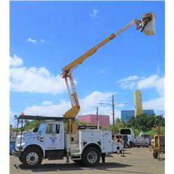 01 International 4900 DT466E Bucket Truck w/Altec Boom Lift, 42-Foot Reach