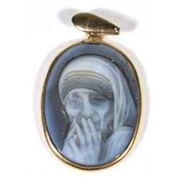 Mother Teresa Navy Blue / White Cameo Pendant