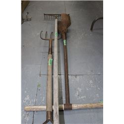Pitch Fork, Rake & Post Hole Digger