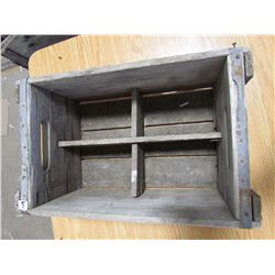 Wooden crate - 4 compartments