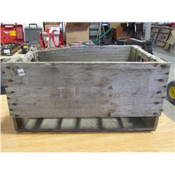 Wooden crate holds 24 bottles